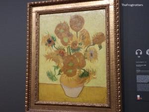 Uno dei famosi quadri di girasoli dipinti Van Gogh. Io me ne sono innamorata perdutamente, tanto che al mercato dei fiori ho comprato dei semi di girasole :D